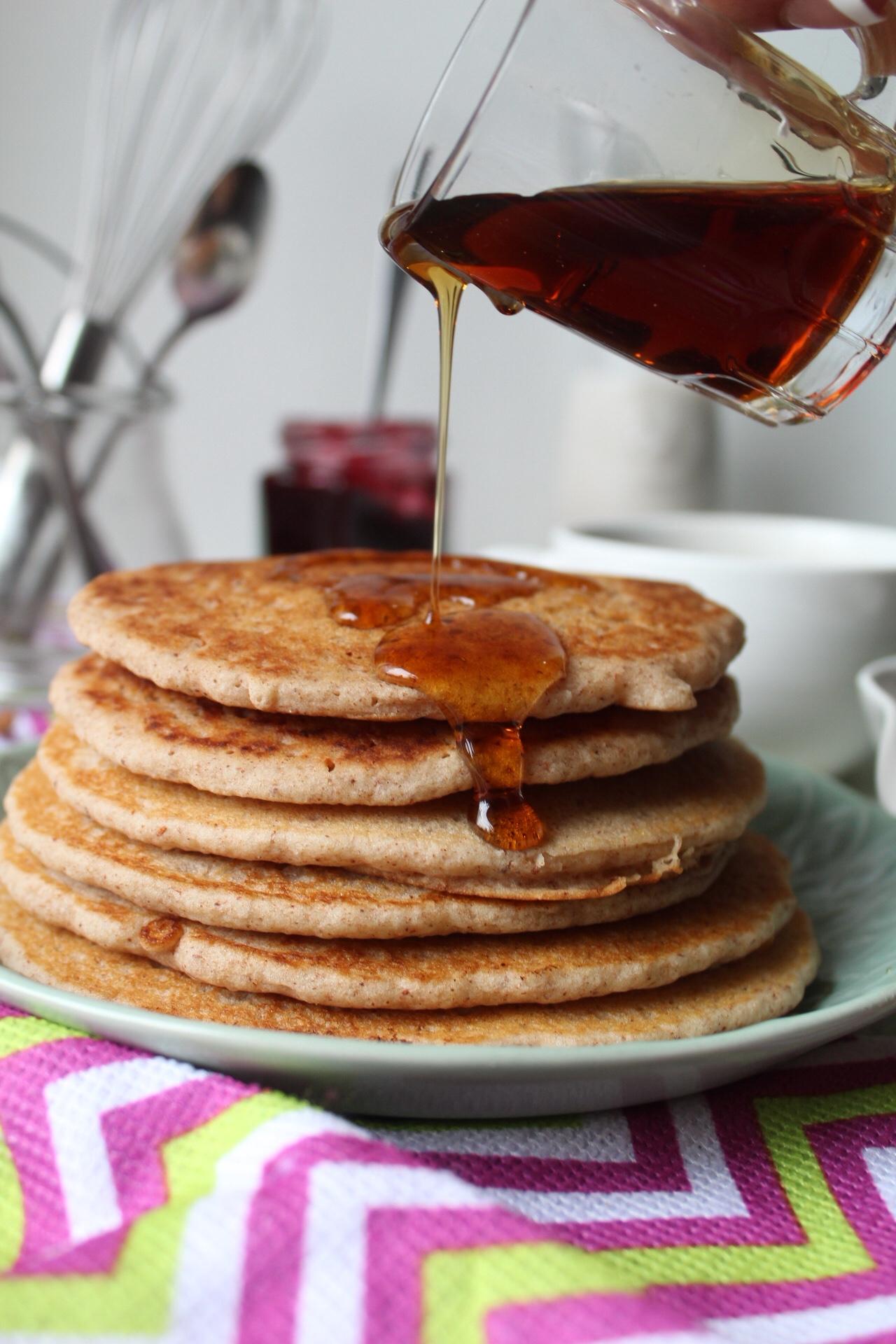 vegan-apple-cinnamon-pancakes